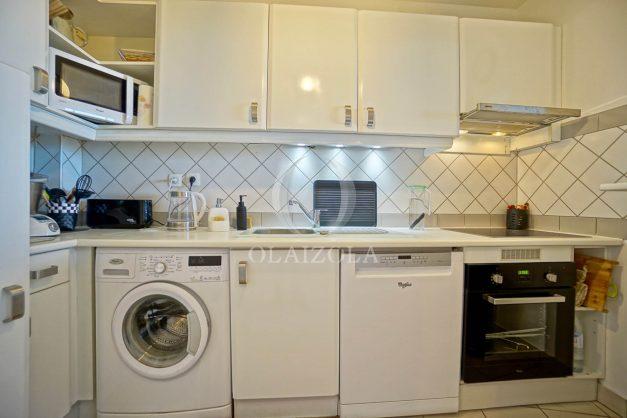 location-vacances-bidart-appartement-3pieces-vue-mer-golf-balcon-moderne-roseraie-ilbarritz-015