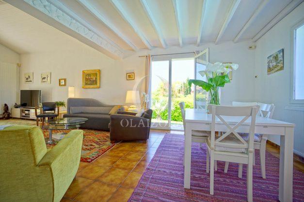 location-vacances-villa-arcangues-agence-olaizola-piscine-chauffée-plein-sud-terrasse-jardin-parking-garage-020