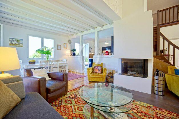 location-vacances-villa-arcangues-agence-olaizola-piscine-chauffée-plein-sud-terrasse-jardin-parking-garage-024