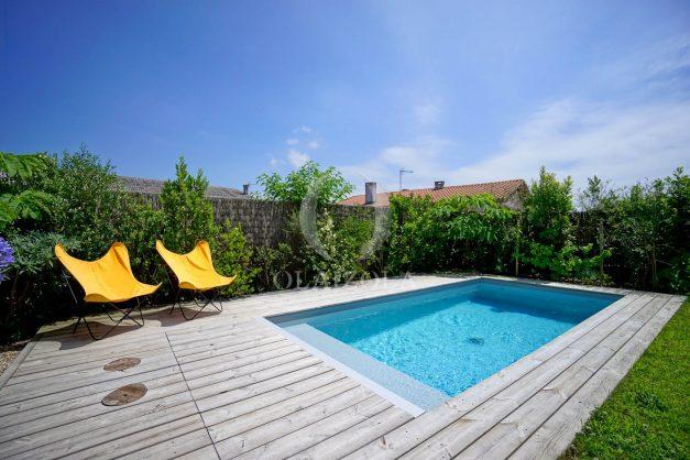 location-vacances-anglet-villa-piscine-terrasse-jardins-magnifique-salon-sejour-transate-soleil-5-chambres.014