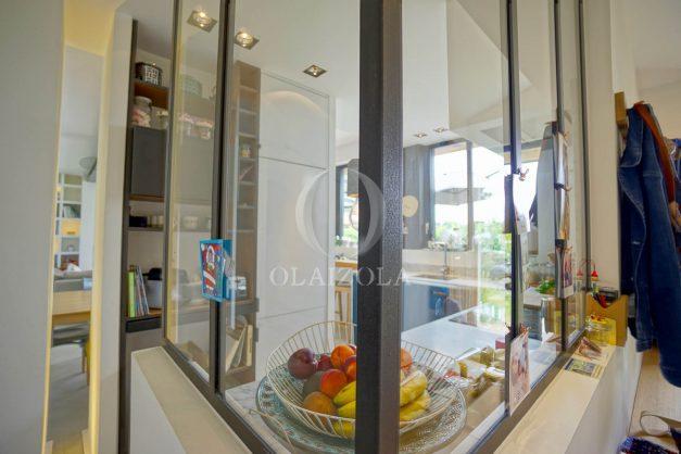 location-vacances-anglet-villa-piscine-terrasse-jardins-magnifique-salon-sejour-transate-soleil-5-chambres.039
