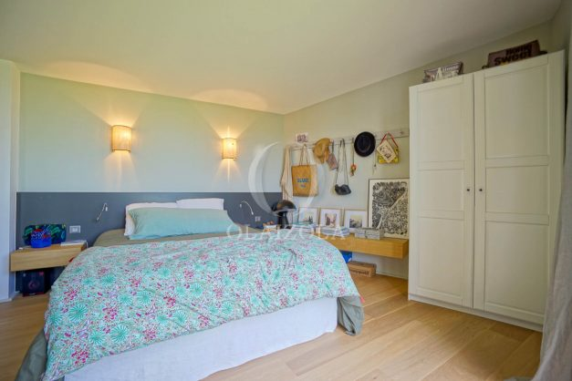 location-vacances-anglet-villa-piscine-terrasse-jardins-magnifique-salon-sejour-transate-soleil-5-chambres.045