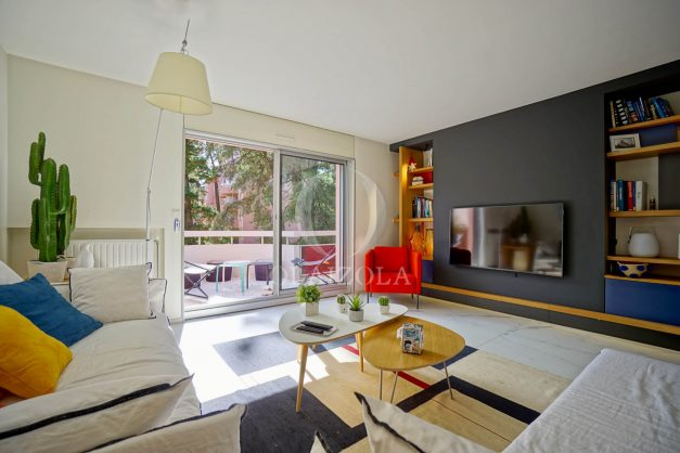 location-vacances-biarritz-appartement-T3-standing-residence-super-privee-terrasse-parking-grand-lit-ensoleillee-010