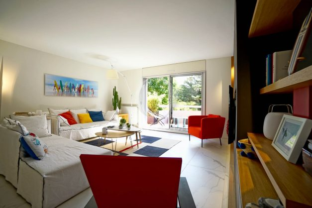 location-vacances-biarritz-appartement-T3-standing-residence-super-privee-terrasse-parking-grand-lit-ensoleillee-014