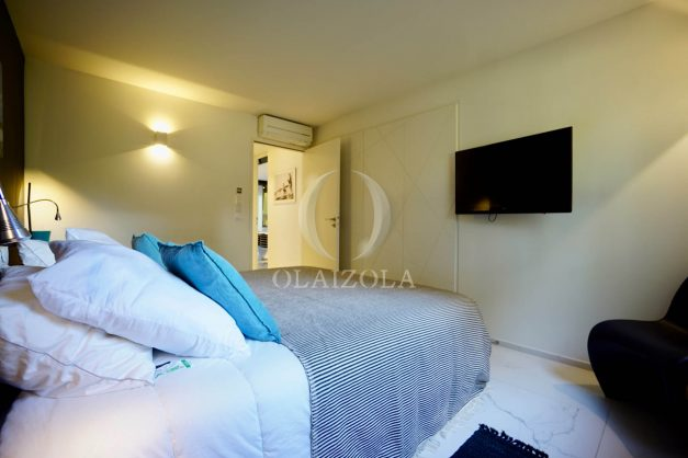 location-vacances-biarritz-appartement-T3-standing-residence-super-privee-terrasse-parking-grand-lit-ensoleillee-033