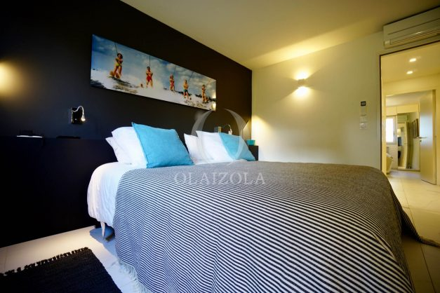 location-vacances-biarritz-appartement-T3-standing-residence-super-privee-terrasse-parking-grand-lit-ensoleillee-034