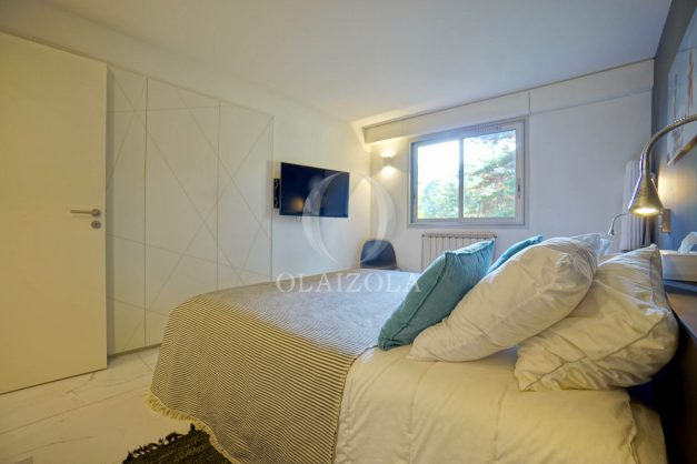 location-vacances-biarritz-appartement-T3-standing-residence-super-privee-terrasse-parking-grand-lit-ensoleillee-037