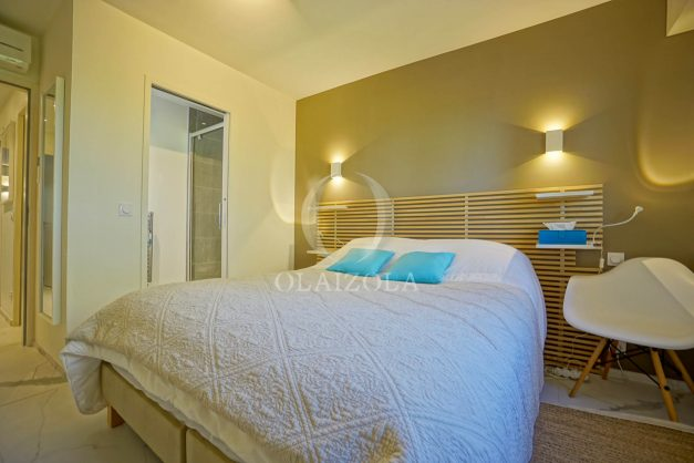 location-vacances-biarritz-appartement-T3-standing-residence-super-privee-terrasse-parking-grand-lit-ensoleillee-042