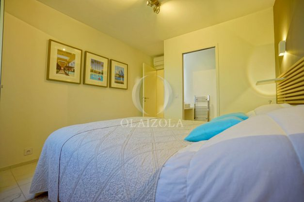 location-vacances-biarritz-appartement-T3-standing-residence-super-privee-terrasse-parking-grand-lit-ensoleillee-044