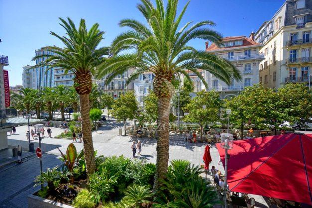 location-vacances-biarritz-magnifique-t3-80m-bellevue-balcons-plages-a-pied-commerce-a-pied-plein-centre-1etage-apercu-mer001