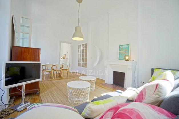 location-vacances-biarritz-magnifique-t3-80m-bellevue-balcons-plages-a-pied-commerce-a-pied-plein-centre-1etage-apercu-mer009