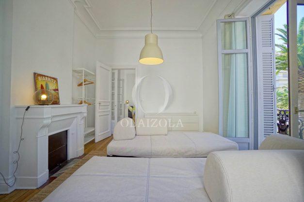 location-vacances-biarritz-magnifique-t3-80m-bellevue-balcons-plages-a-pied-commerce-a-pied-plein-centre-1etage-apercu-mer015