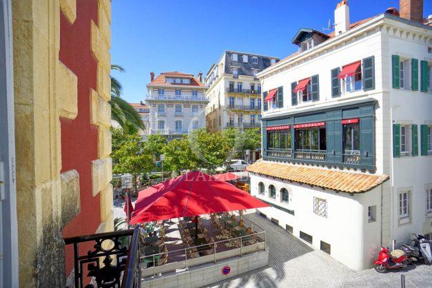 location-vacances-biarritz-magnifique-t3-80m-bellevue-balcons-plages-a-pied-commerce-a-pied-plein-centre-1etage-apercu-mer017
