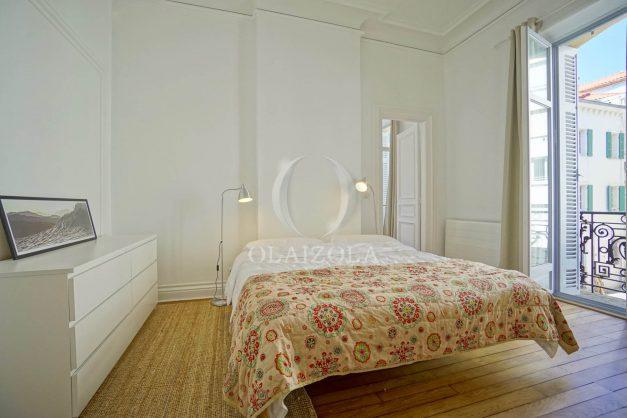 location-vacances-biarritz-magnifique-t3-80m-bellevue-balcons-plages-a-pied-commerce-a-pied-plein-centre-1etage-apercu-mer020