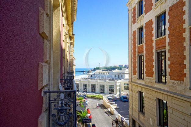 location-vacances-biarritz-magnifique-t3-80m-bellevue-balcons-plages-a-pied-commerce-a-pied-plein-centre-1etage-apercu-mer033