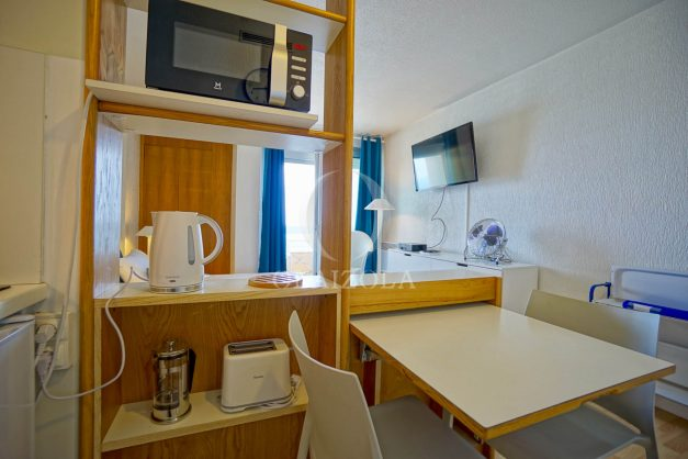 location-vacances-biarritz-studio-vue-mer-sublime-8-étages-loggia-grande-plage-premier-plan-victoria-surf-centre-ville013