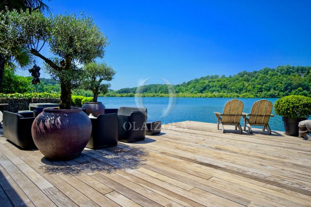 location-vacances-biarritz-villa-prestige-bord-du-lac-pontont-piscine-terrasse-agence-olaizola-002