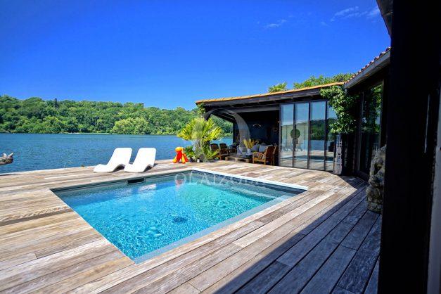 location-vacances-biarritz-villa-prestige-bord-du-lac-pontont-piscine-terrasse-agence-olaizola-009
