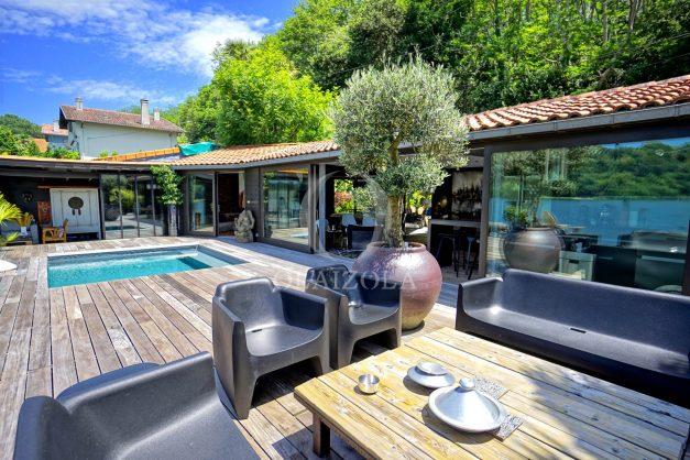 location-vacances-biarritz-villa-prestige-bord-du-lac-pontont-piscine-terrasse-agence-olaizola-013