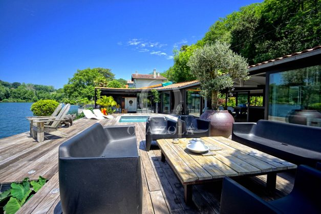 location-vacances-biarritz-villa-prestige-bord-du-lac-pontont-piscine-terrasse-agence-olaizola-014