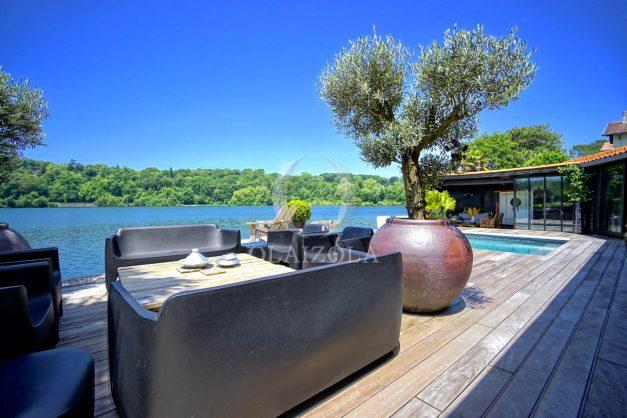 location-vacances-biarritz-villa-prestige-bord-du-lac-pontont-piscine-terrasse-agence-olaizola-016