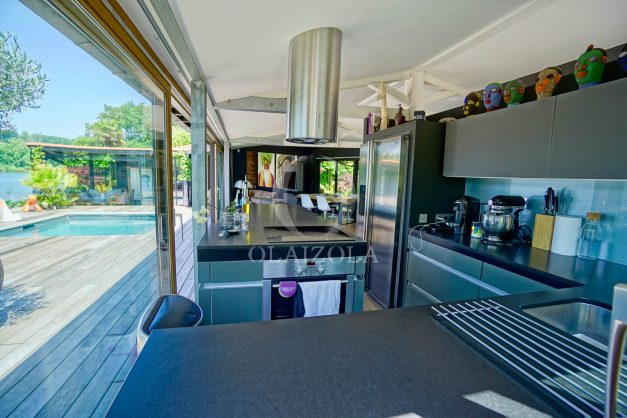 location-vacances-biarritz-villa-prestige-bord-du-lac-pontont-piscine-terrasse-agence-olaizola-22