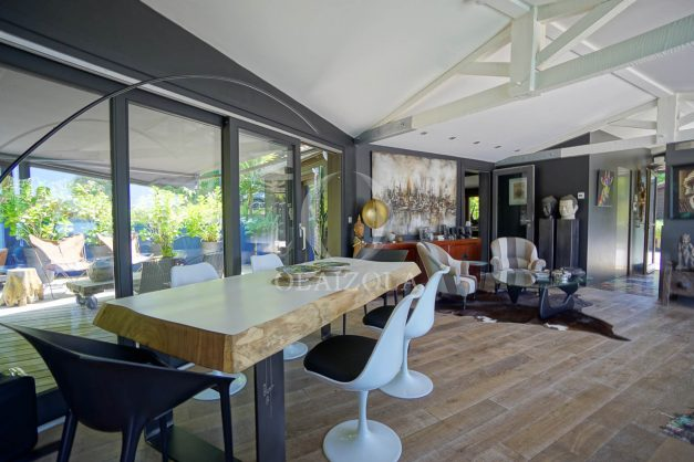 location-vacances-biarritz-villa-prestige-bord-du-lac-pontont-piscine-terrasse-agence-olaizola-31