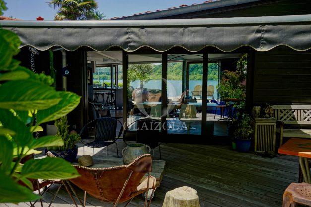 location-vacances-biarritz-villa-prestige-bord-du-lac-pontont-piscine-terrasse-agence-olaizola-40