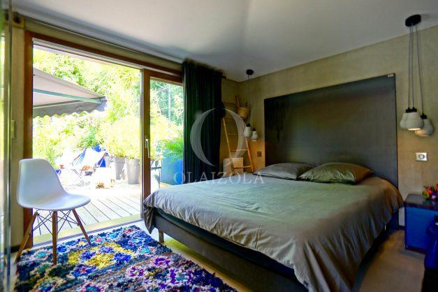 location-vacances-biarritz-villa-prestige-bord-du-lac-pontont-piscine-terrasse-agence-olaizola-44