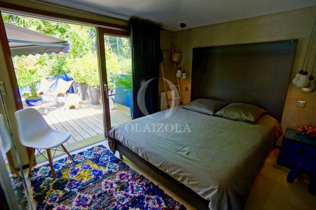 location-vacances-biarritz-villa-prestige-bord-du-lac-pontont-piscine-terrasse-agence-olaizola-45