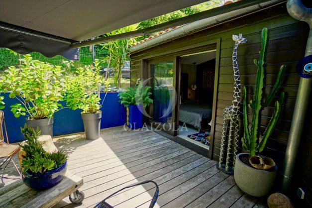 location-vacances-biarritz-villa-prestige-bord-du-lac-pontont-piscine-terrasse-agence-olaizola-48