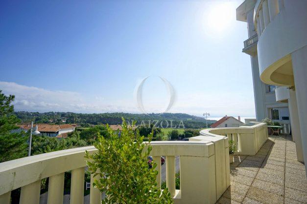 location-vacances-bidart-appartement-laroserai-vue-mer-golf-terrasse-balcon-magnifique-location-vacances-bidart-appartement-laroserai-vue-golf-terrasse-balcon-magnifique-001