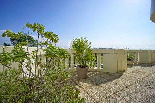 location-vacances-bidart-appartement-laroserai-vue-mer-golf-terrasse-balcon-magnifique-location-vacances-bidart-appartement-laroserai-vue-golf-terrasse-balcon-magnifique-002