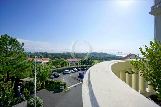 location-vacances-bidart-appartement-laroserai-vue-mer-golf-terrasse-balcon-magnifique-location-vacances-bidart-appartement-laroserai-vue-golf-terrasse-balcon-magnifique-003