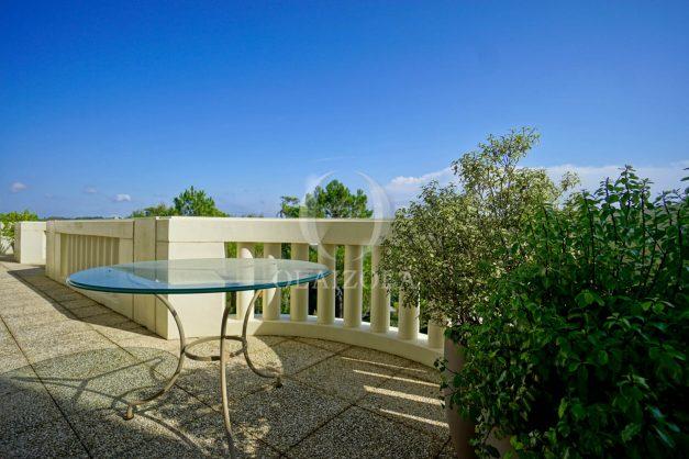location-vacances-bidart-appartement-laroserai-vue-mer-golf-terrasse-balcon-magnifique-location-vacances-bidart-appartement-laroserai-vue-golf-terrasse-balcon-magnifique-007