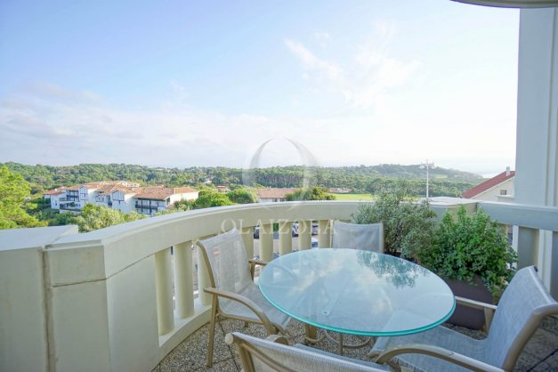 location-vacances-bidart-appartement-laroserai-vue-mer-golf-terrasse-balcon-magnifique-location-vacances-bidart-appartement-laroserai-vue-golf-terrasse-balcon-magnifique-012