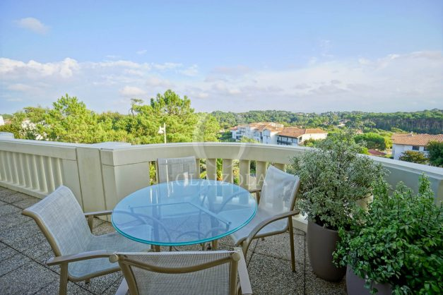 location-vacances-bidart-appartement-laroserai-vue-mer-golf-terrasse-balcon-magnifique-location-vacances-bidart-appartement-laroserai-vue-golf-terrasse-balcon-magnifique-013