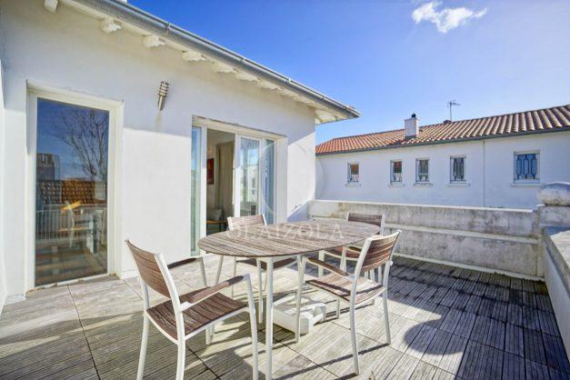 location-vacances-biarritz-appartement-refait-a-neuf-duplex-garage-terrasse-ensoleillee-plein-sud-migron-2020-003