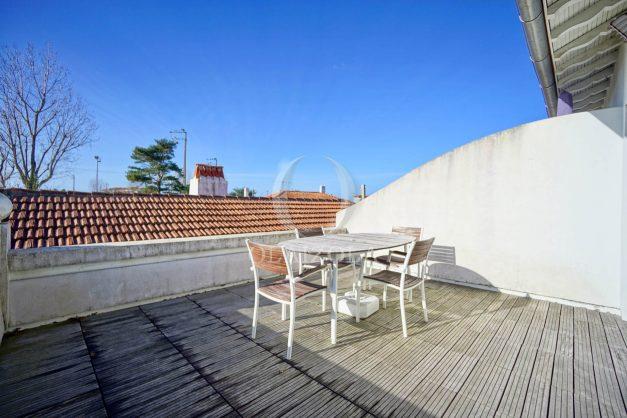location-vacances-biarritz-appartement-refait-a-neuf-duplex-garage-terrasse-ensoleillee-plein-sud-migron-2020-005
