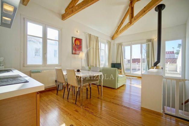 location-vacances-biarritz-appartement-refait-a-neuf-duplex-garage-terrasse-ensoleillee-plein-sud-migron-2020-013