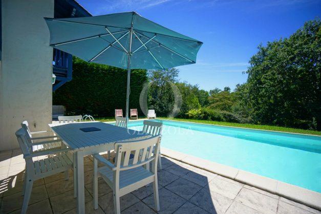 location-vacances-cote-basque-golf-villa-piscine-terrasse-makila-jardin-proche-plages-004