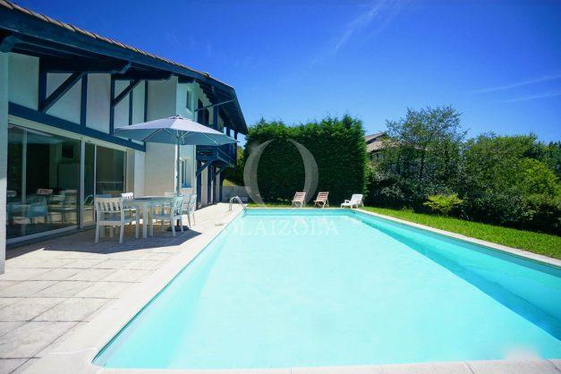 location-vacances-cote-basque-golf-villa-piscine-terrasse-makila-jardin-proche-plages-005