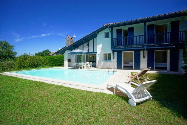 location-vacances-cote-basque-golf-villa-piscine-terrasse-makila-jardin-proche-plages-009