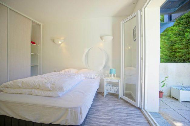 location-vacances-cote-basque-golf-villa-piscine-terrasse-makila-jardin-proche-plages-022