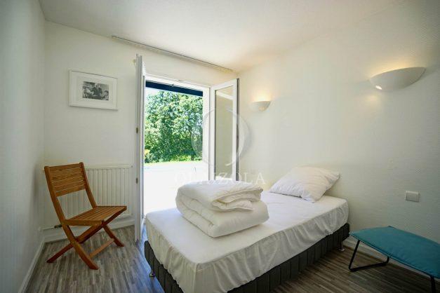 location-vacances-cote-basque-golf-villa-piscine-terrasse-makila-jardin-proche-plages-024