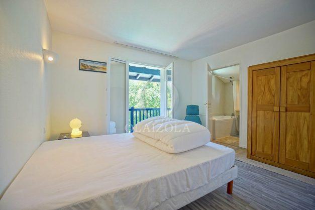 location-vacances-cote-basque-golf-villa-piscine-terrasse-makila-jardin-proche-plages-026