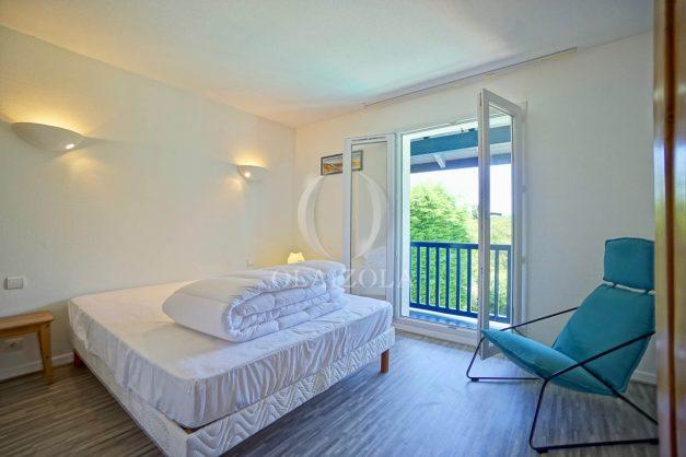 location-vacances-cote-basque-golf-villa-piscine-terrasse-makila-jardin-proche-plages-027