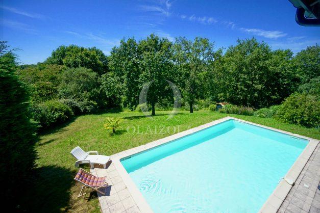location-vacances-cote-basque-golf-villa-piscine-terrasse-makila-jardin-proche-plages-028