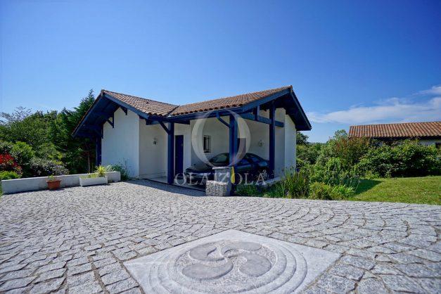 location-vacances-cote-basque-golf-villa-piscine-terrasse-makila-jardin-proche-plages-036