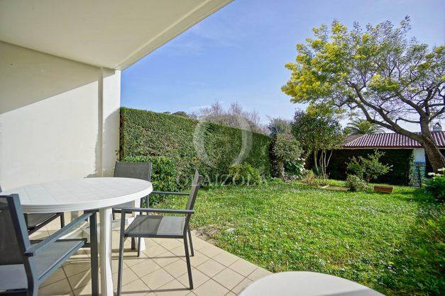 location-vacances-bidart-t2-jardin-terrasse-parking-plage-a-pied-plancha-2021-001